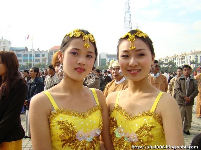 缅甸农村女孩生活照