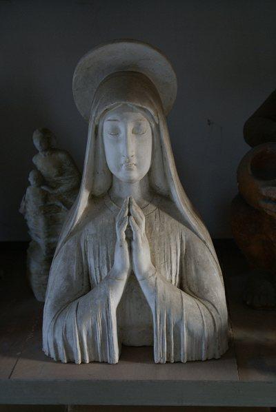 雕塑艺术家生活在宋庄