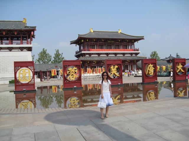 听说大雁塔北广场的音乐喷泉非常壮观,号称亚洲最大的音乐喷泉.