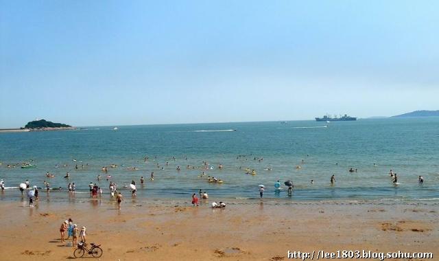 风采依旧de青岛栈桥海水浴场.