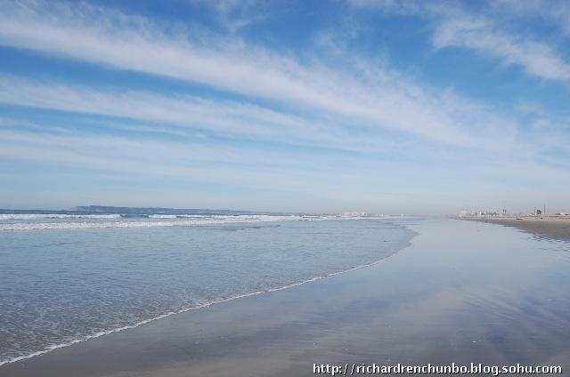 青岛有个石老人海滩,烟台开发区有个金沙滩,比起圣地亚哥的这个silver