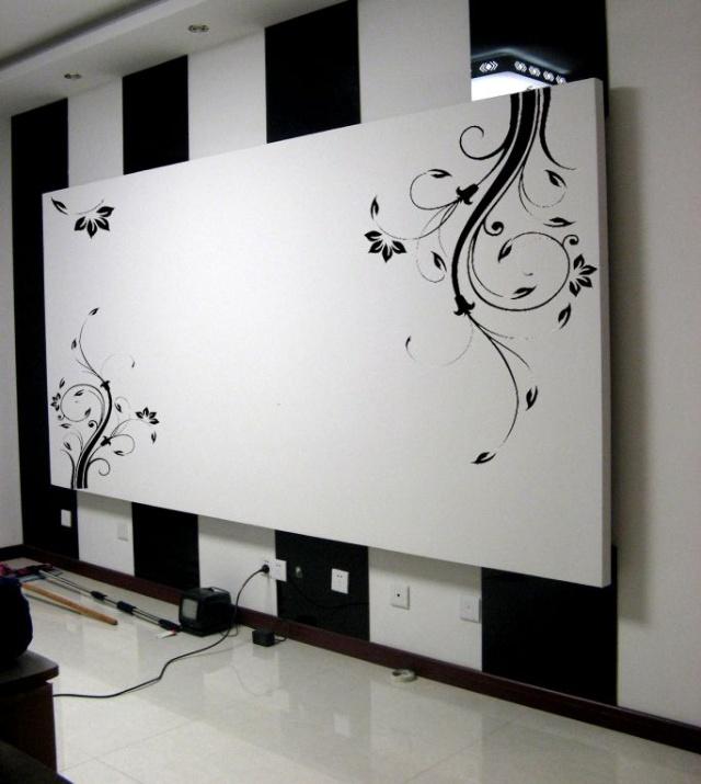 手绘墙黑白色树木
