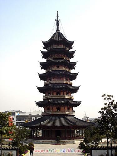 五层的砖木结构的楼阁式塔