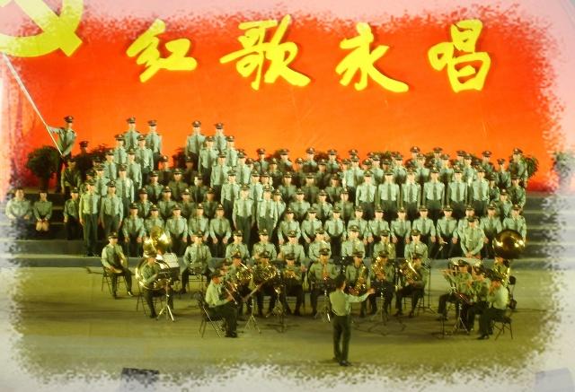 说真的,这次大合唱让我真的开了眼,许多合唱队的队形是第一次见图片