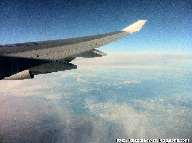 想着雷阵雨一过,我们的飞机怎么着十点钟也回去了